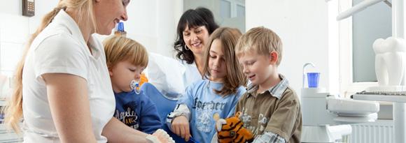 Dr. Katja Ertel und Kinder